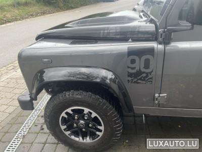 Land-Rover Defender