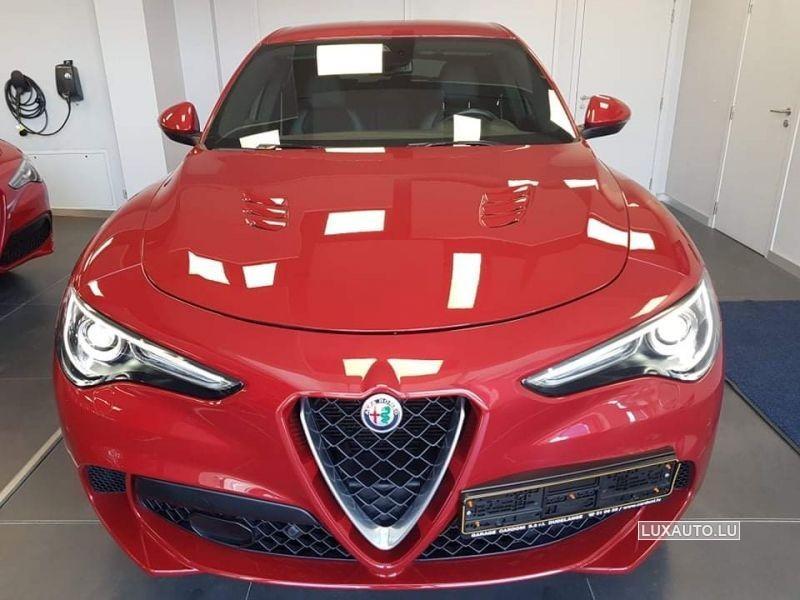 Alfa-Romeo Stelvio Quadrifoglio Auto.