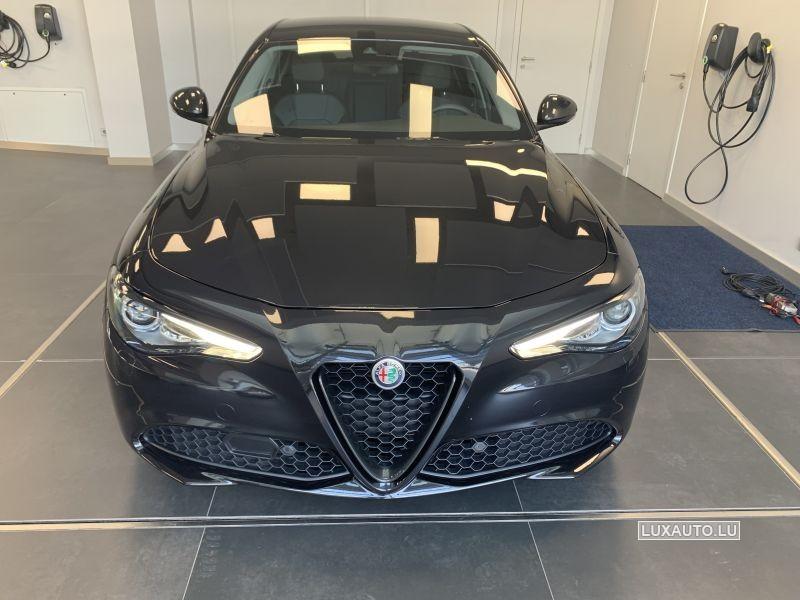 Alfa-Romeo Giulia 2.0 T B-Tech Auto.